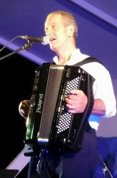 David Passalaqua  (accordion)