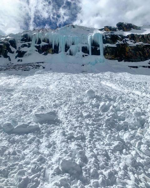 Blue Ice field - Apr 5 2019 - 3 - FB797BCA-35FF-4433-A295-91B540C0F58B.jpeg