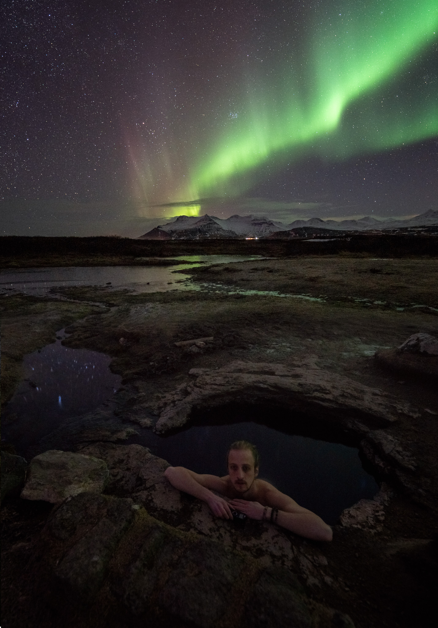 iceland-hot-spring-aurora-northern-lights