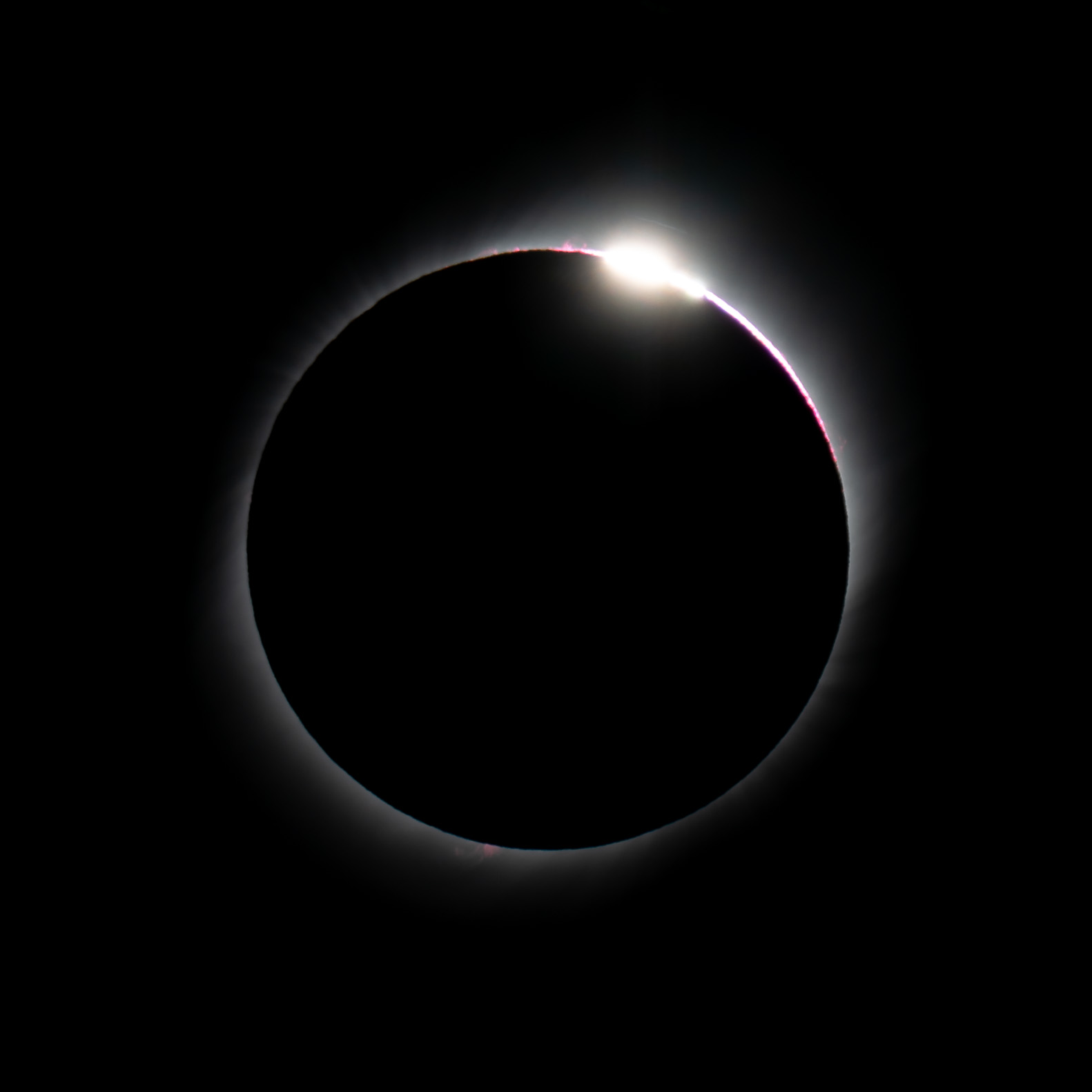 Diamond Ring effect - f/11 | ISO100 | 1/125 secs