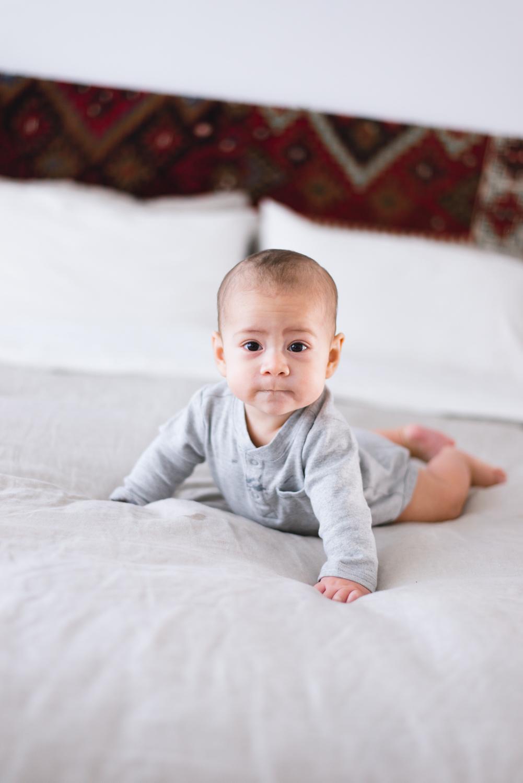 Mama-Niela-baby-photographer-east-los-angeles-daniela-rey.jpg