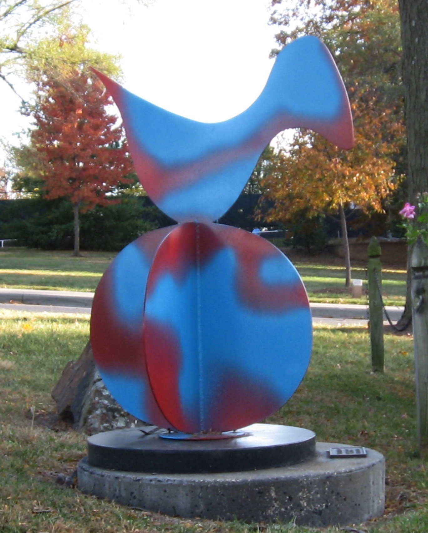 Sky Bird  1996, painted steel, 3x3x3 ft  Taliaferro Sculpture Garden Prairie Village, KS