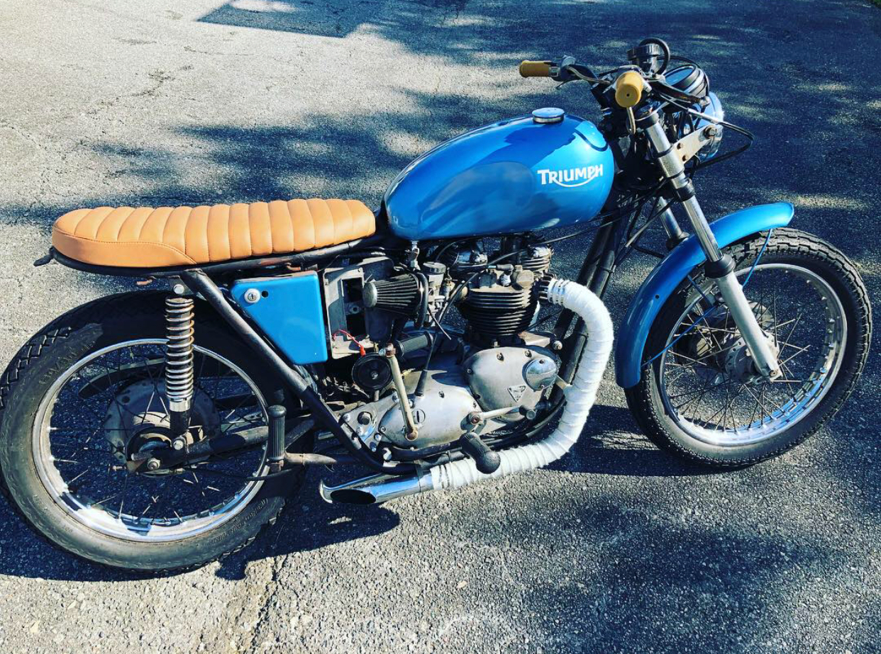 1971 Bonneville - Well this is one of my favorite color schemes I've done on a bike. It reminds me of the first Triumph I owned back in 2008 when we moved back from the UK to Wilmington, NC. I purchased a blue 2005 Triumph Bonneville. Back to THIS bike... This 14,000 original miles bike is gorgeous. Bought it from the second owner. Runs great. Right foot shift.AVAIALBE $4,500. email twopencemotorbikes@gmail.com if interested.