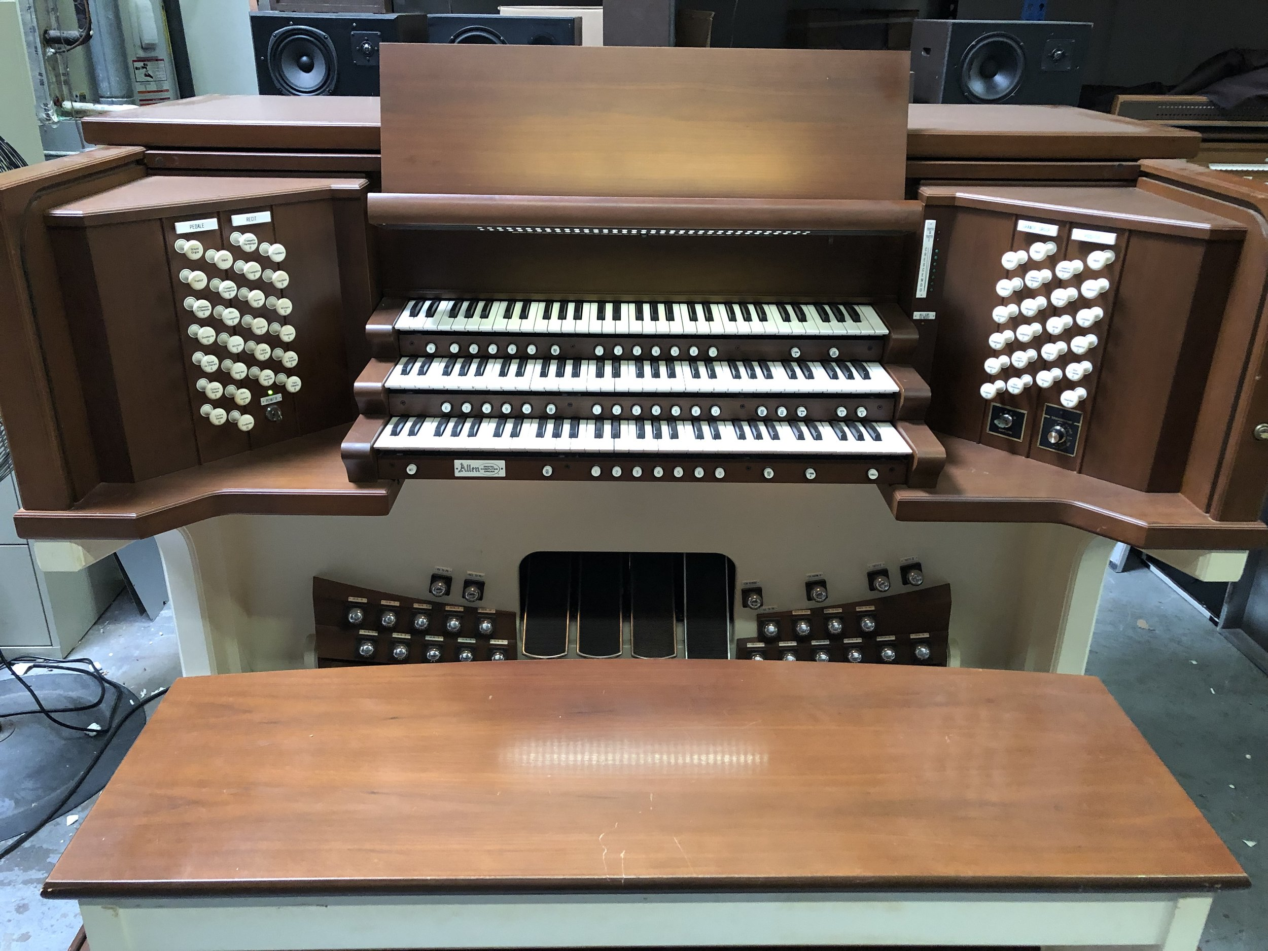 Used Allen organs — Church Organ Service com