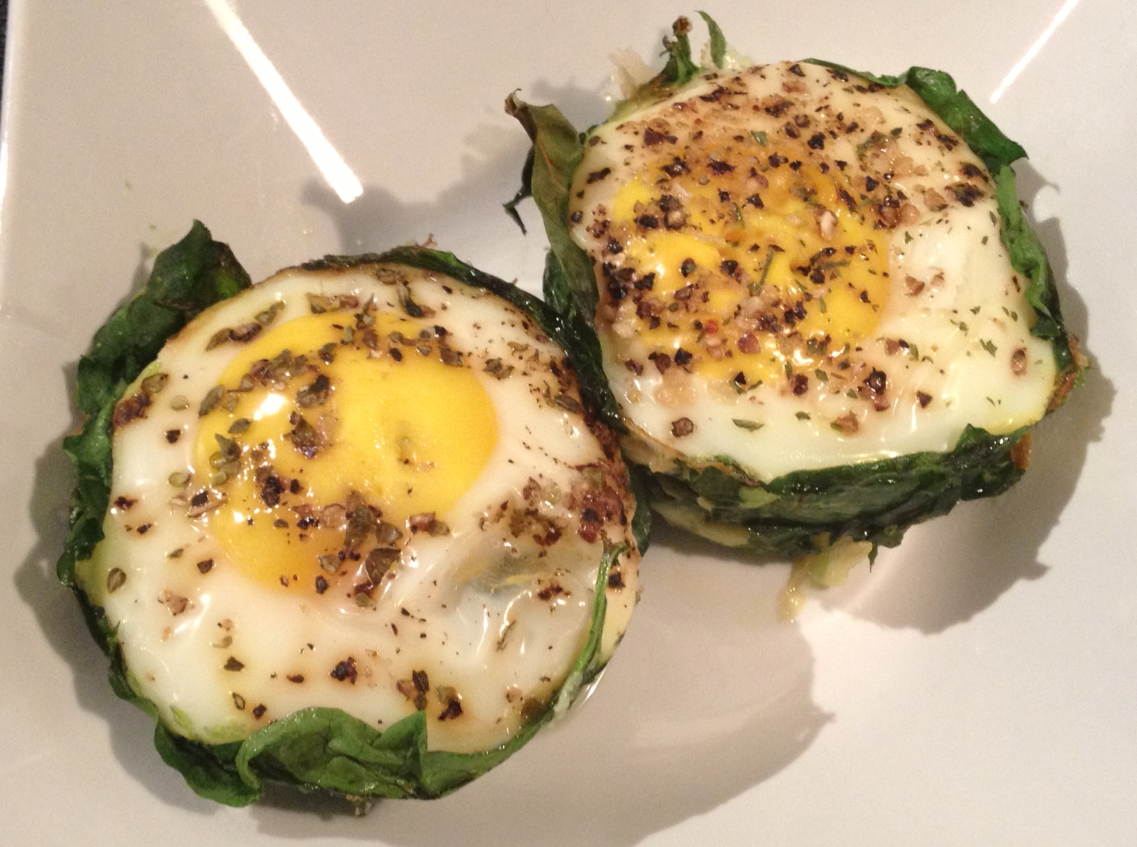 Baked egg in spinach cup.jpg