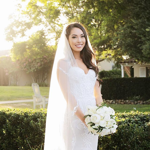Love the way the light plays at this venue - The Inn at Rancho Santa Fe - a classic San Diego wedding venue. Major shout out to @bryanmillerphoto for finding the light and setting up this shot of our gorgeous bride! . . . . #weddingdress #sandiegowedding #sandiegoweddings #sandiegoweddingvenue #innatranchosantafe #theinnatranchosantafe #ranchosantafe #rsf #rsfweddingplanner #rsfwedding #ranchosantafewedding #ranchosantafeweddingplanner #sandiegoweddingvideo #sandiegoweddingvideographer #findthelight #lightandairy