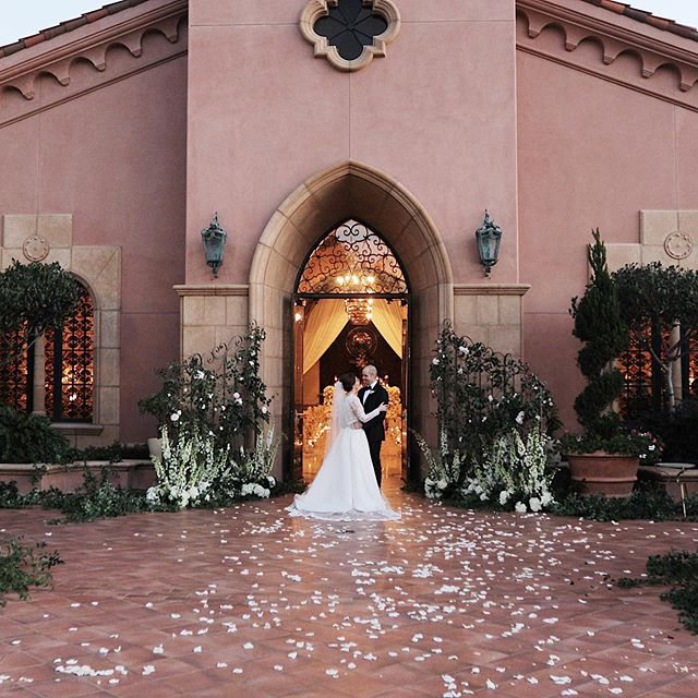 This wedding was practically perfect in every way @everafterevents @ameliaguess #granddelmar #granddelmarwedding #sandiegowedding