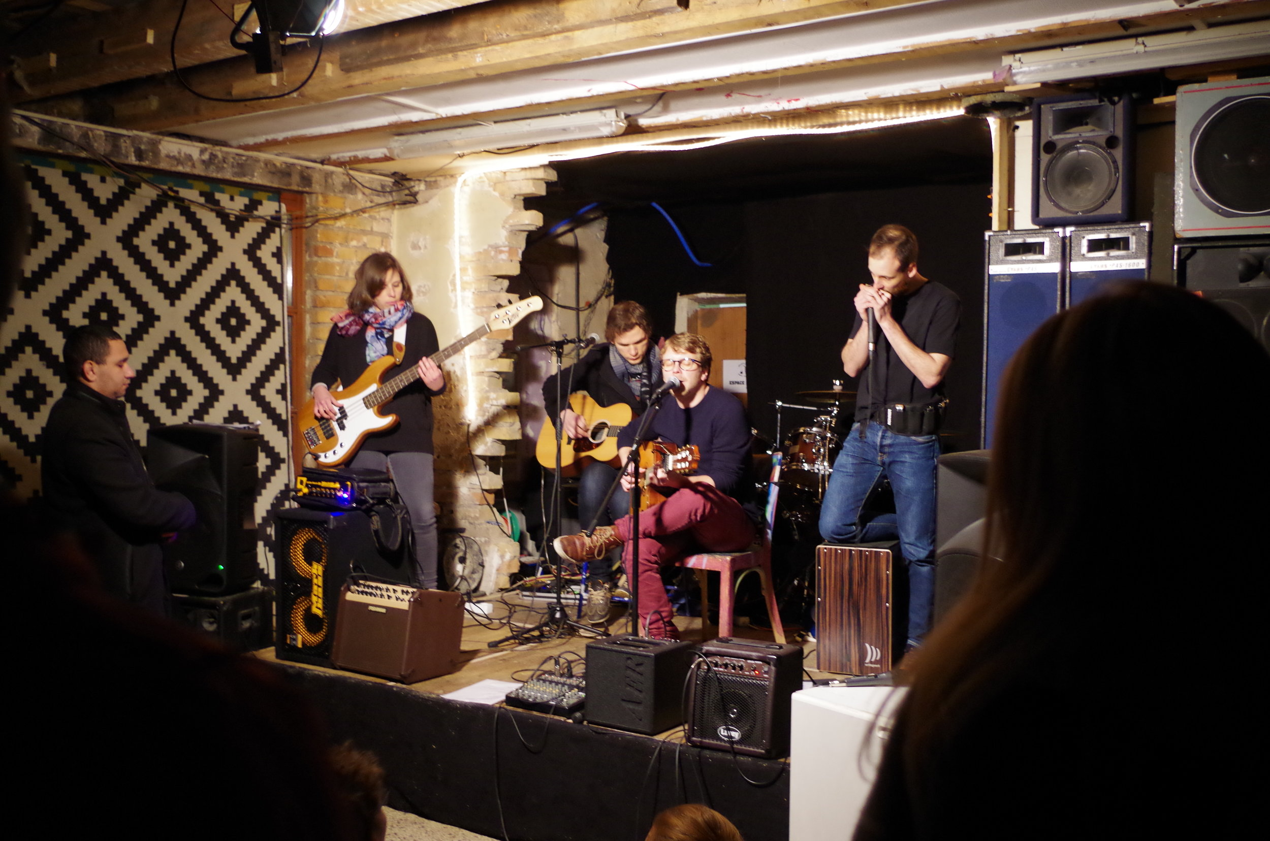 Le groupe Folk Avenue en ouverture de la soirée-concert du 19 janvier 2018 inaugure la scène.