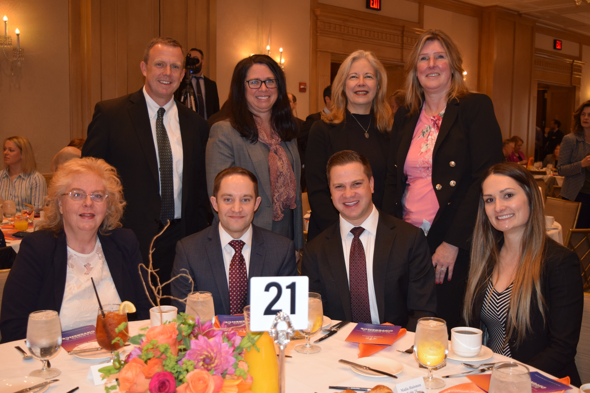 Representatives of breakfast sponsors Penske, including board member J.D. Carlson (top row, left), and Deloitte joined us at the event.