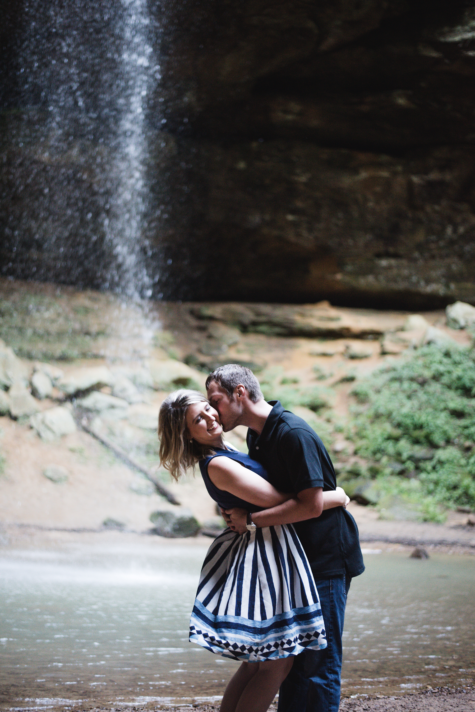 outdoor engagement photos hocking hills