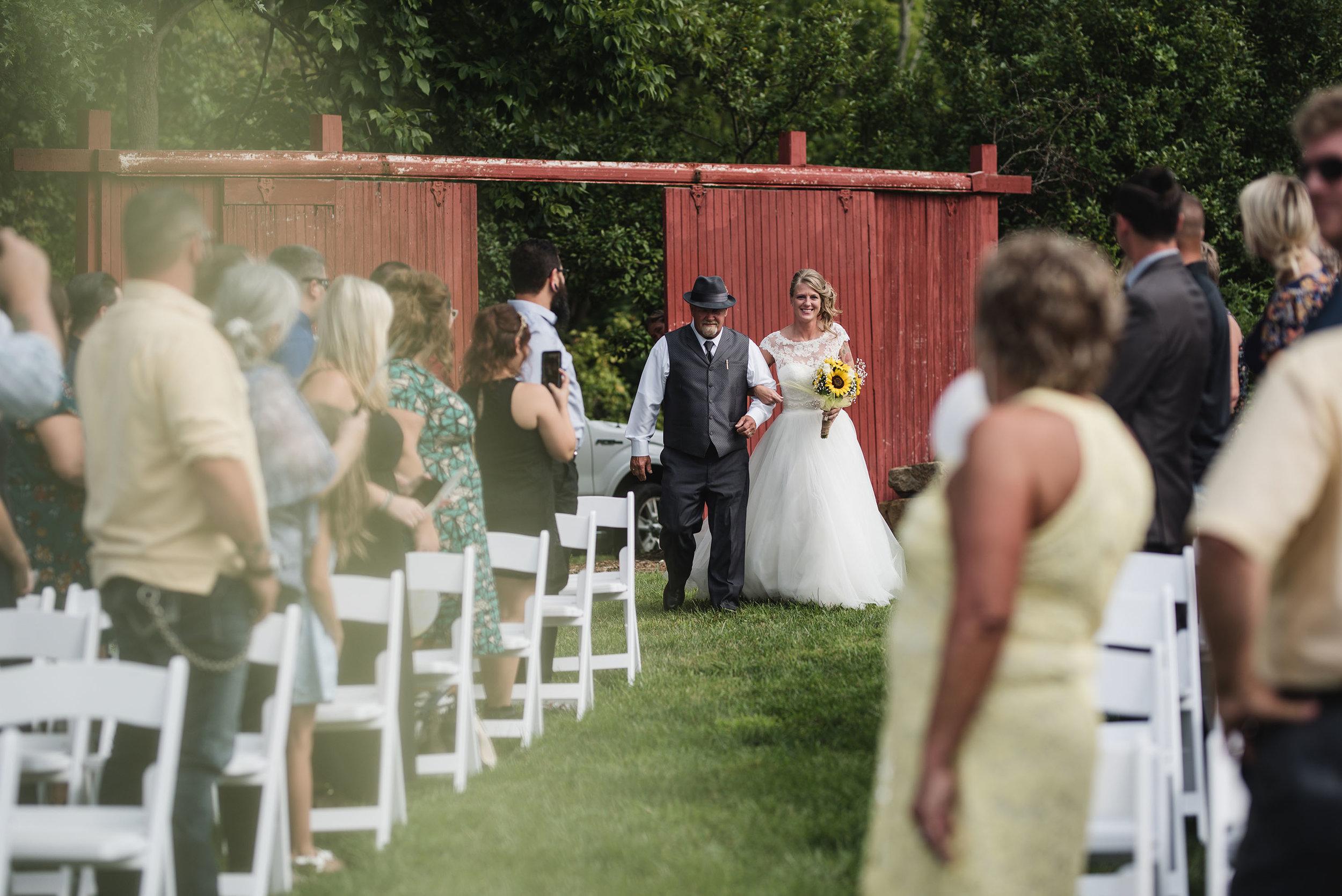 lancaster ohio wedding photographer father of the bride