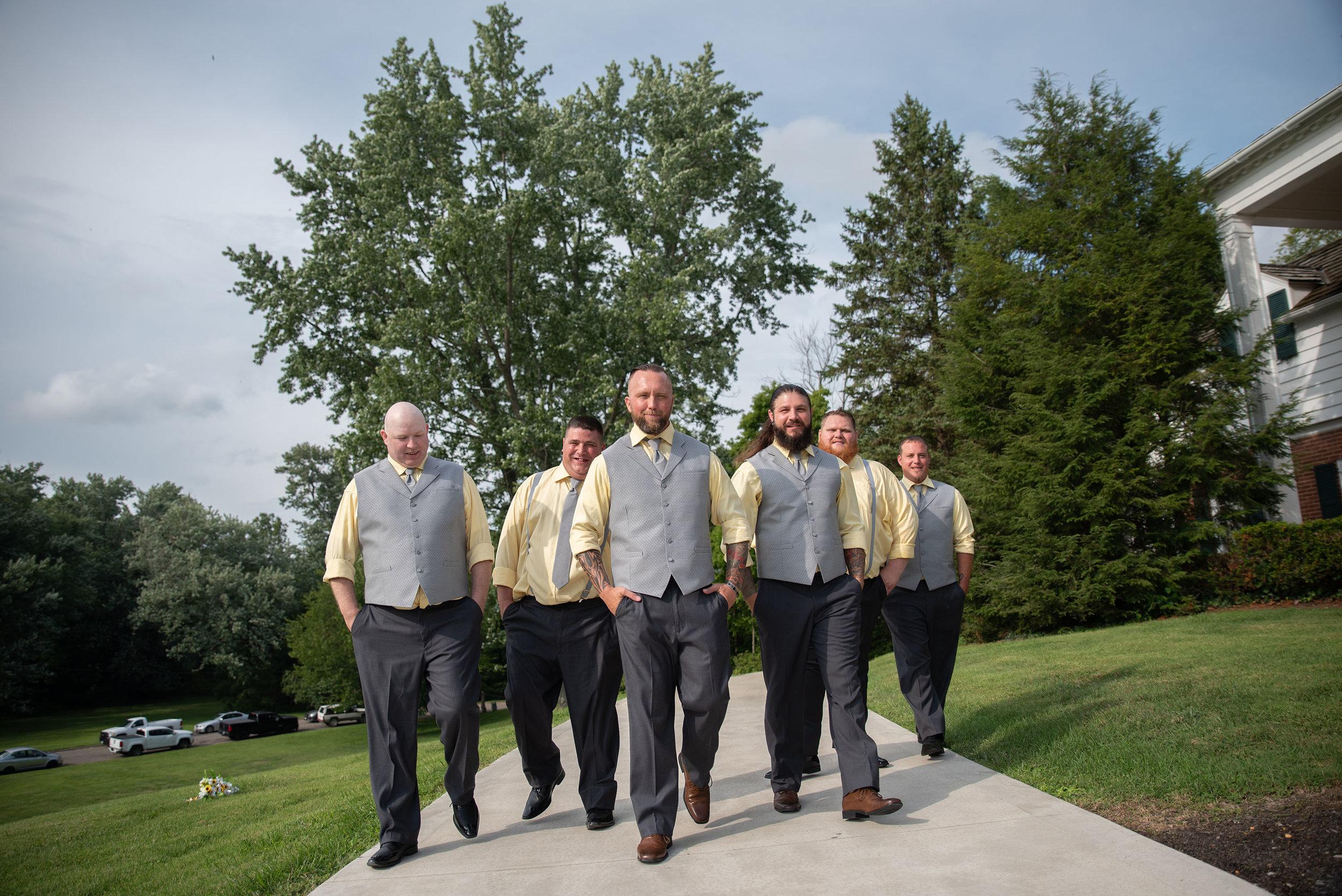 groomsmen lancaster ohio wedding photographer