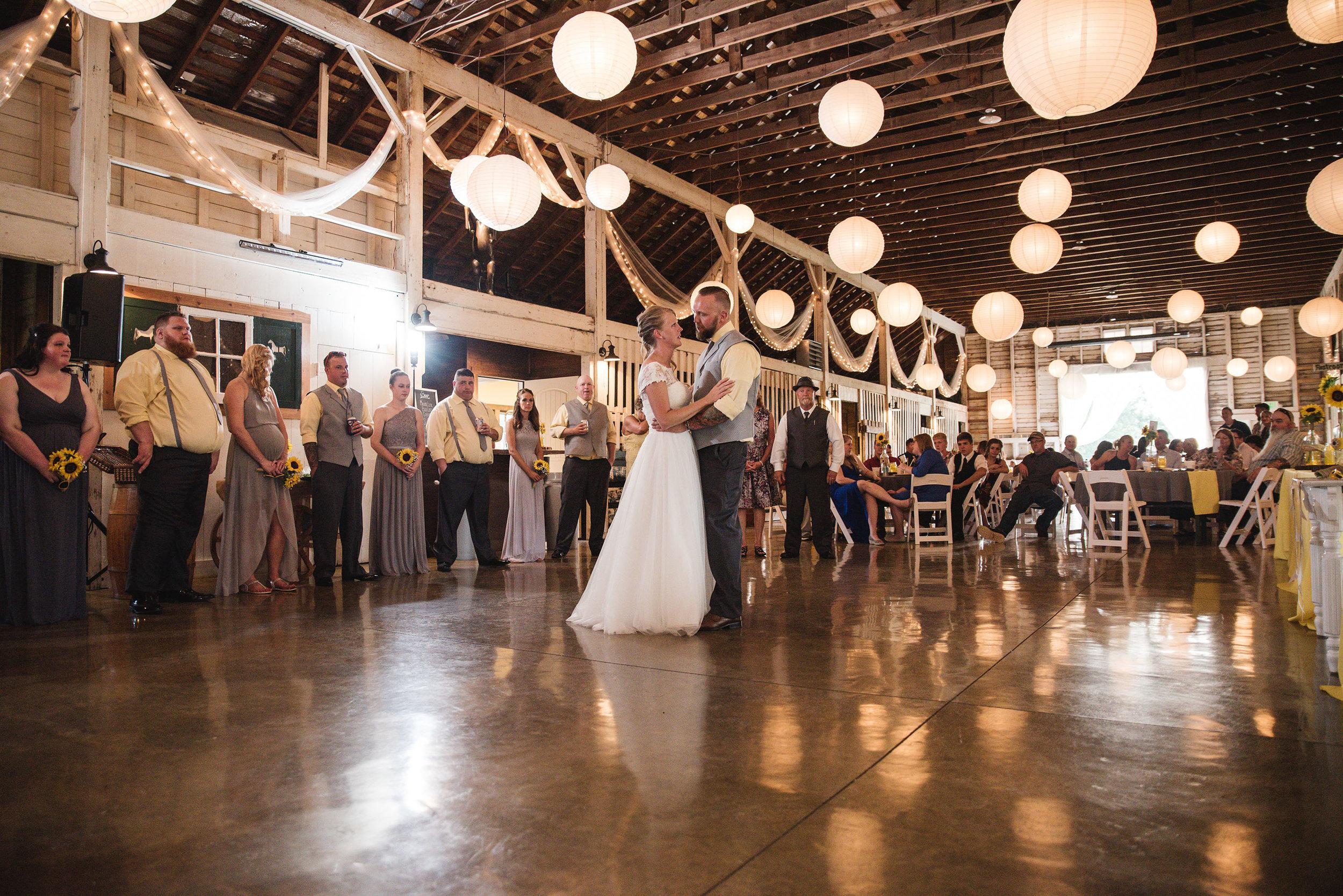 first dance at wedding in columbus ohio wedding photographer