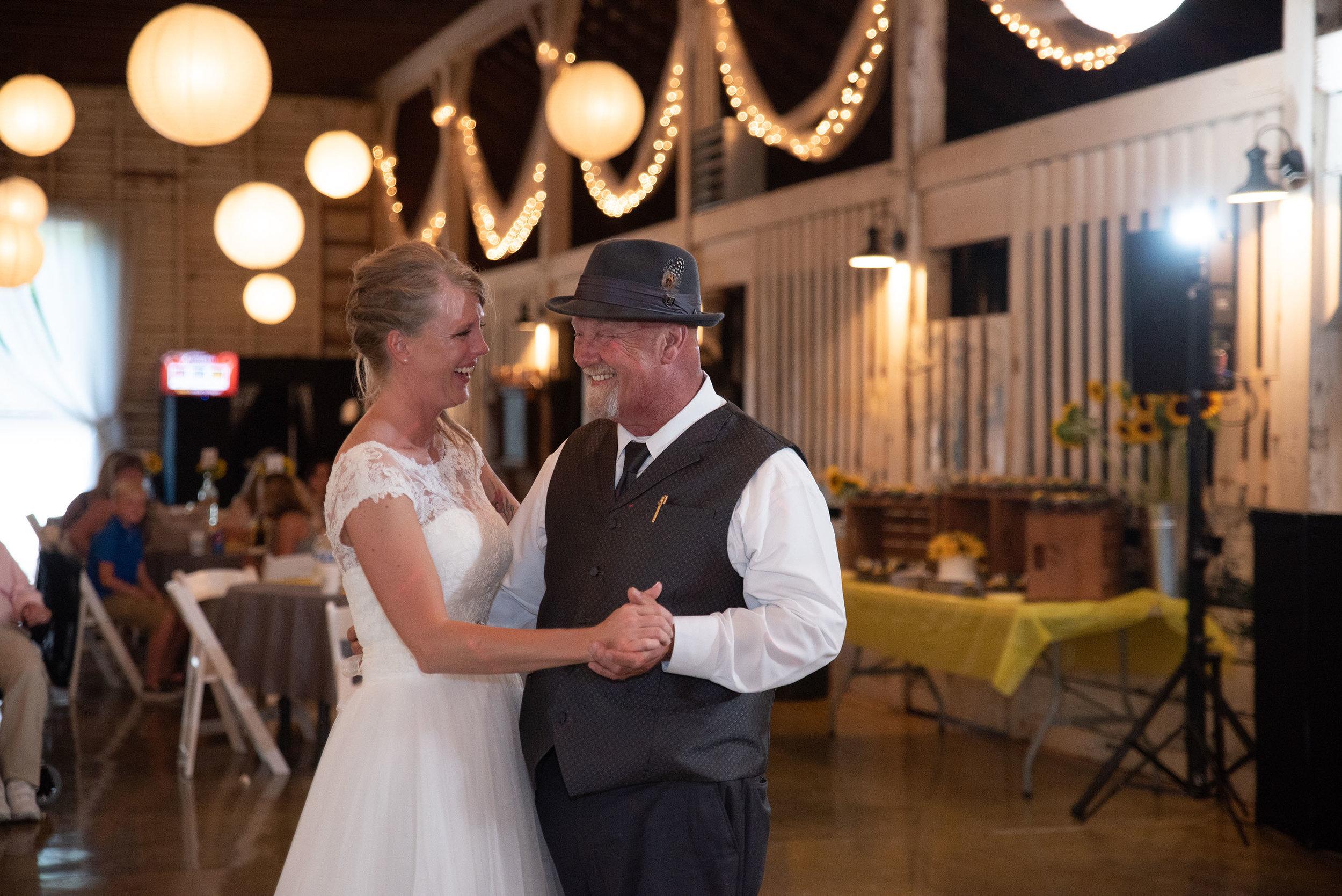 father daughter dance lancaster ohio wedding photographer
