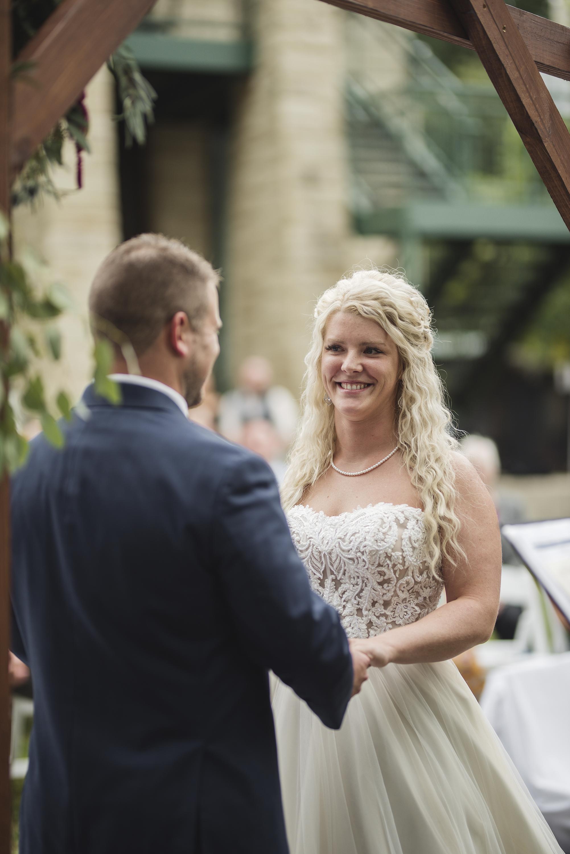 outdoor nature wedding photographer