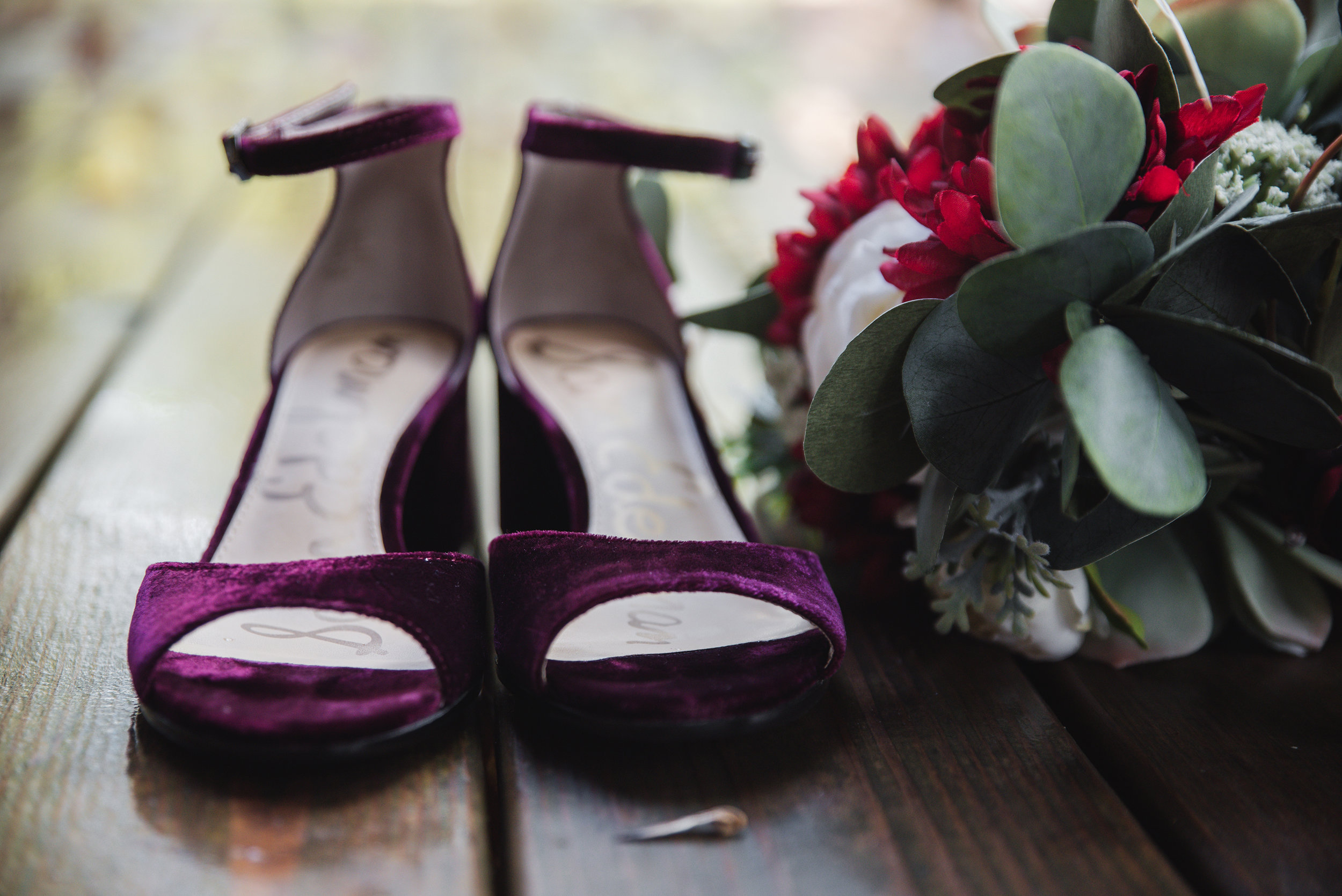 sam edelman bride shoes hocking hills wedding photographer
