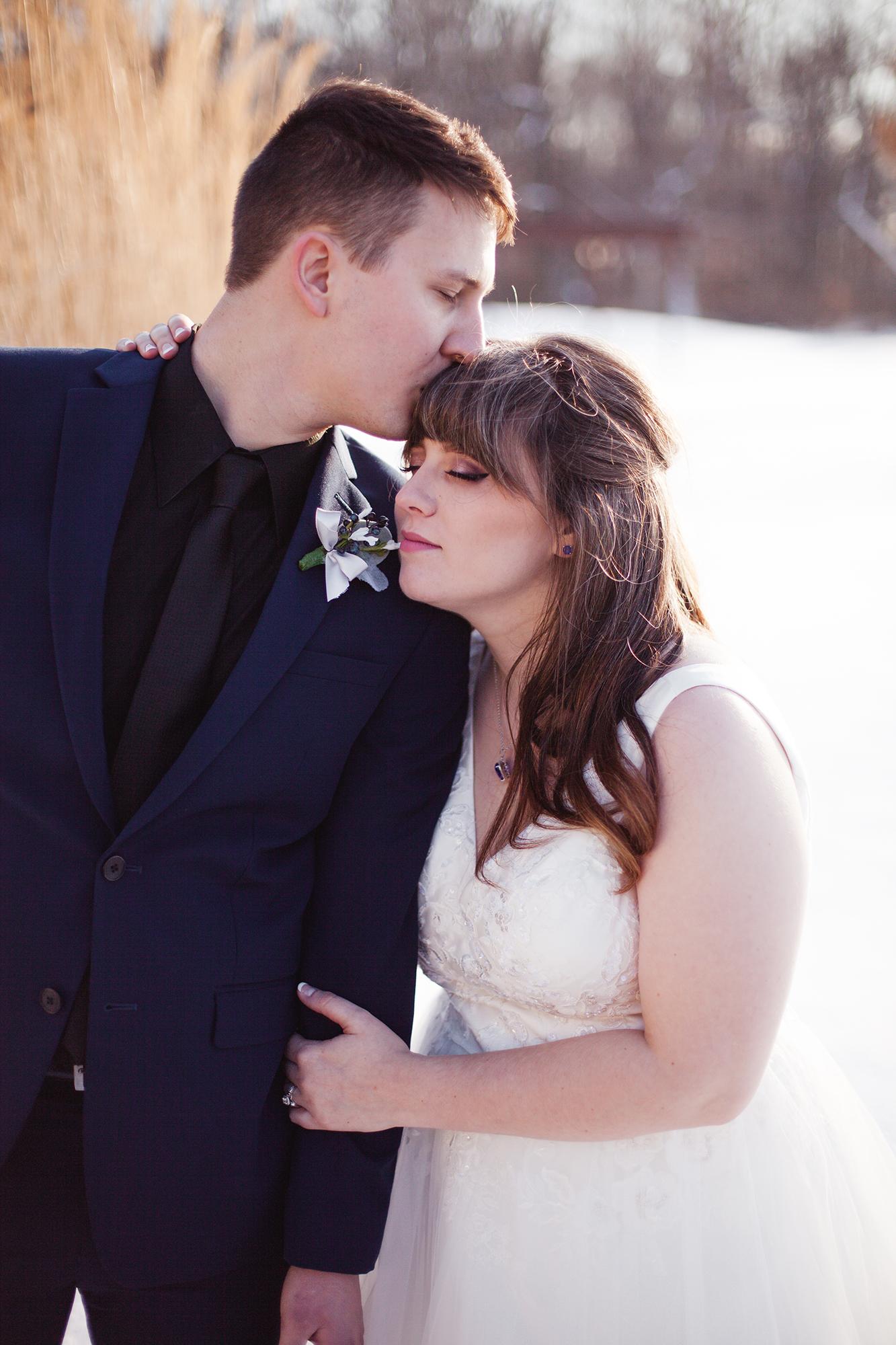 lifestyle wedding photographer columbus