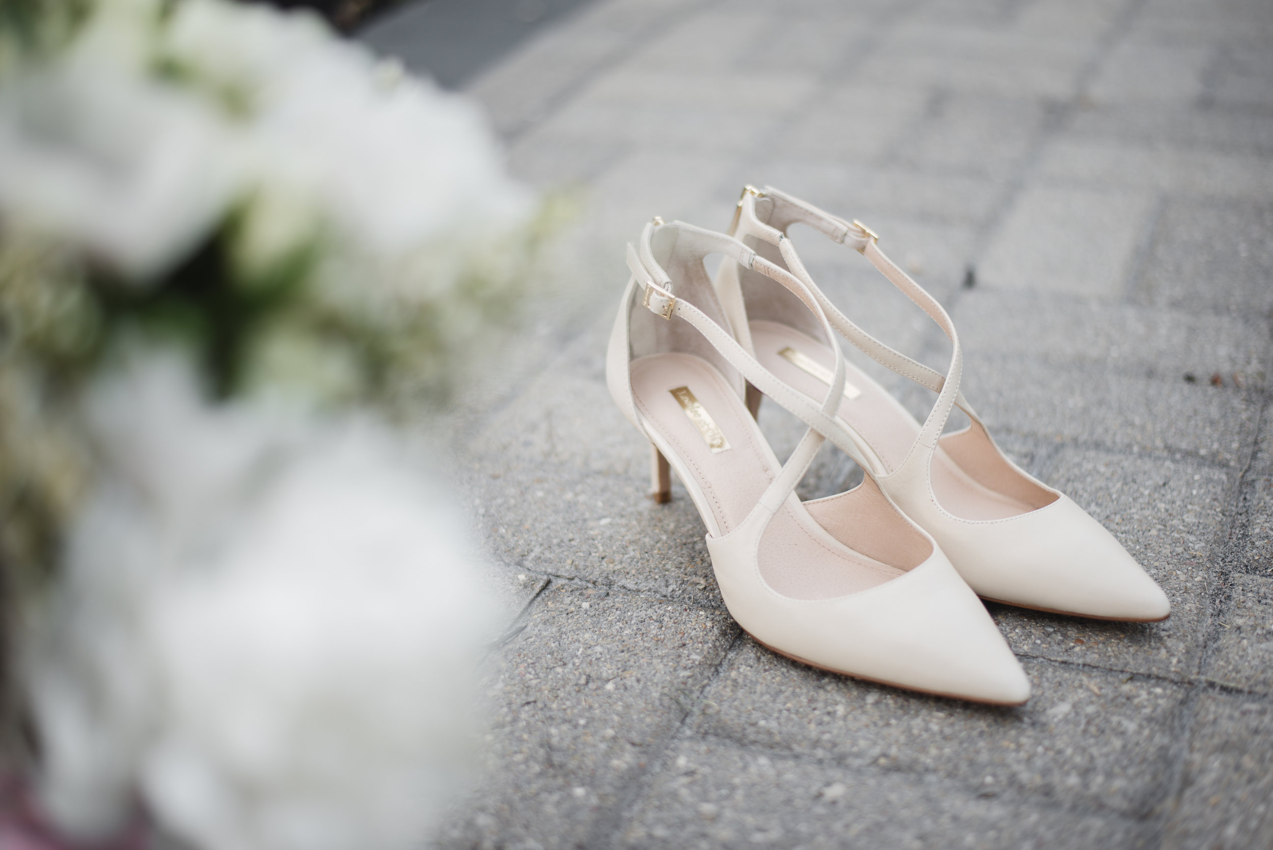 Lancaster ohio ale haus wedding photographer