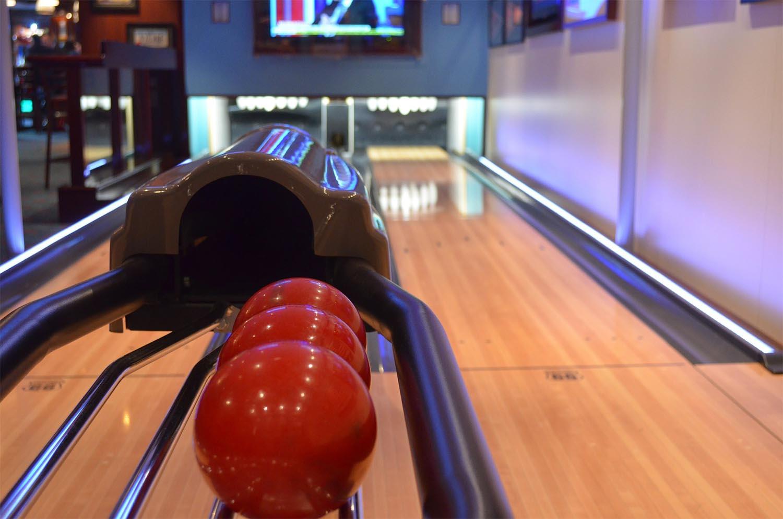 bowling-358247_1920-sm.jpg