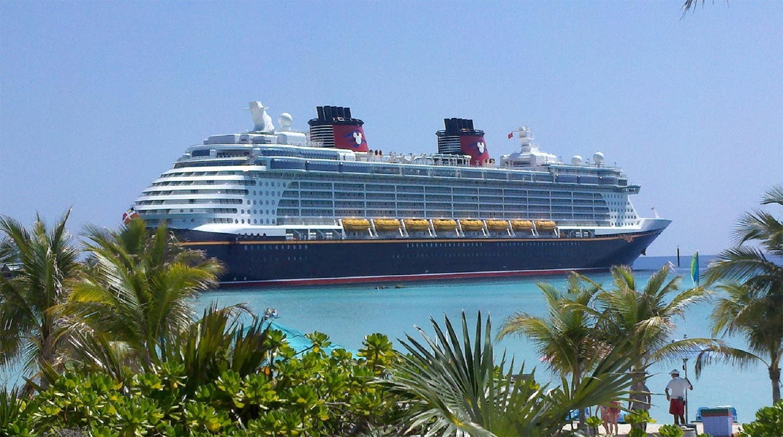 cruise-ship-615116-sm.jpg