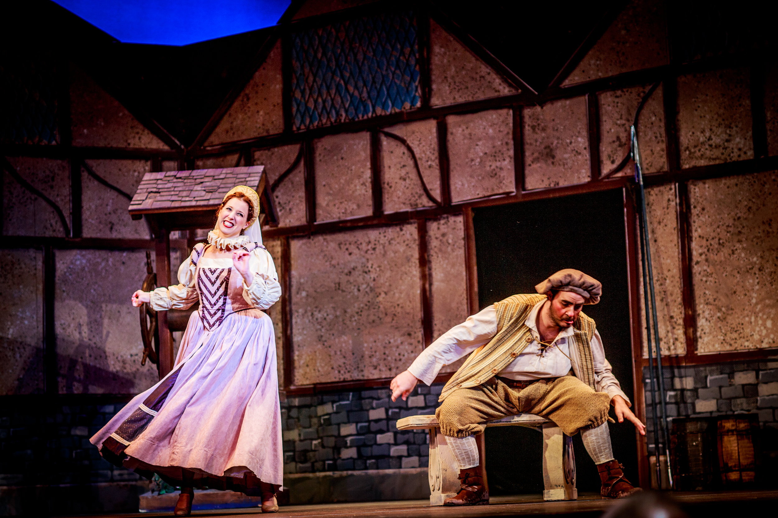 Phoebe ( The Yeomen of the Guard ) at Winter Opera Saint Louis, with Gary Moss as Wilfred (Credit: Riq Dilly)