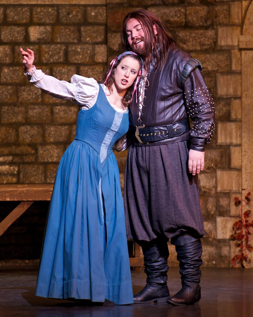 Phoebe ( The Yeomen of the Guard ) at New York City Center, with Quinto Ott as Wilfred (Credit: William Reynolds)