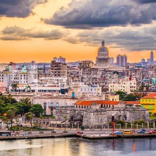 Come to celebrate the 500 anniversary of a wonderful city. #cubaamongcubans #wethebestones #travelwithlocals #cactours #classiccartours