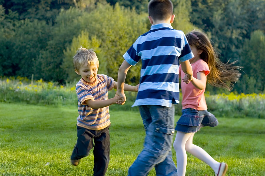 kids_dancing_outdoors_H.jpg