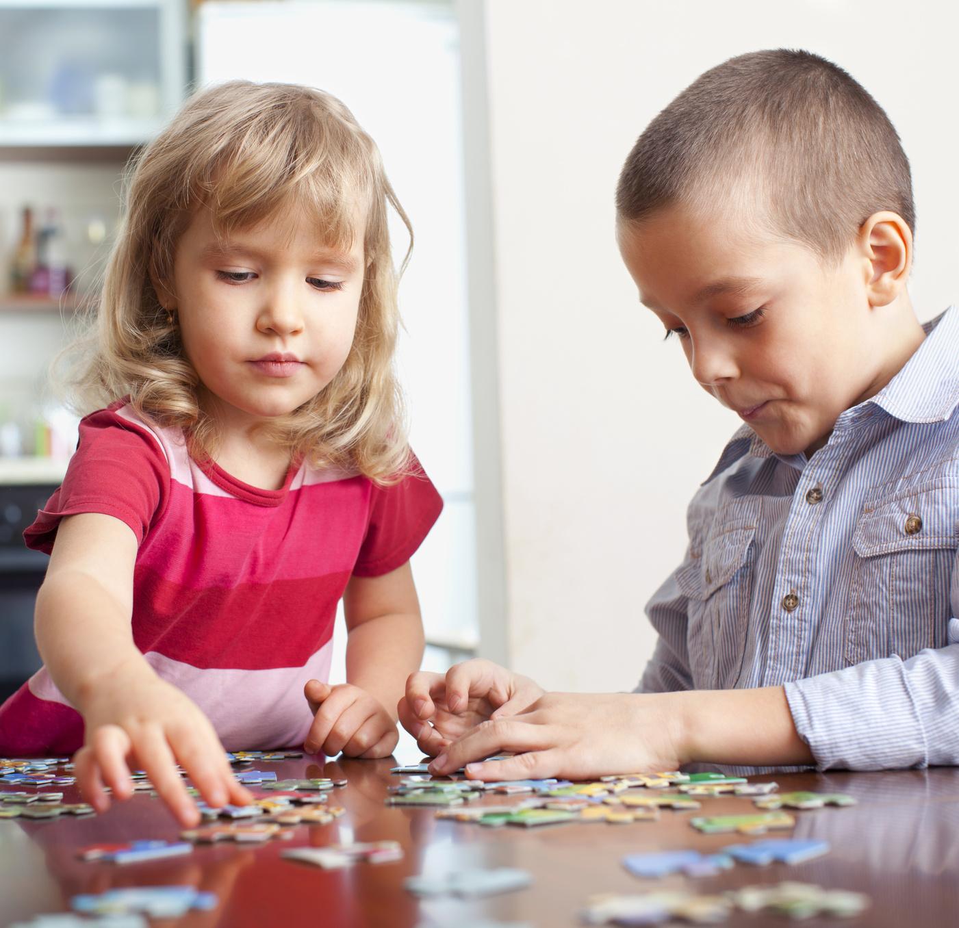 sf-preschoolers-doing-puzzle.jpg