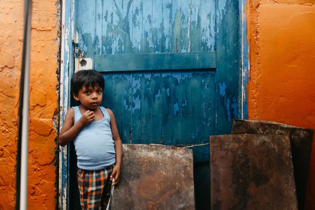 Niño en Playón Chico, foto por  Leygh Allison