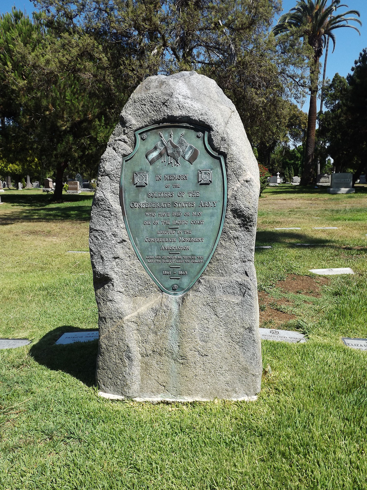 LA, 1 Marker Removed - There was a Confederate monument in the Hollywood Forever Cemetery. It has since been taken down after numerous requests for its removal.