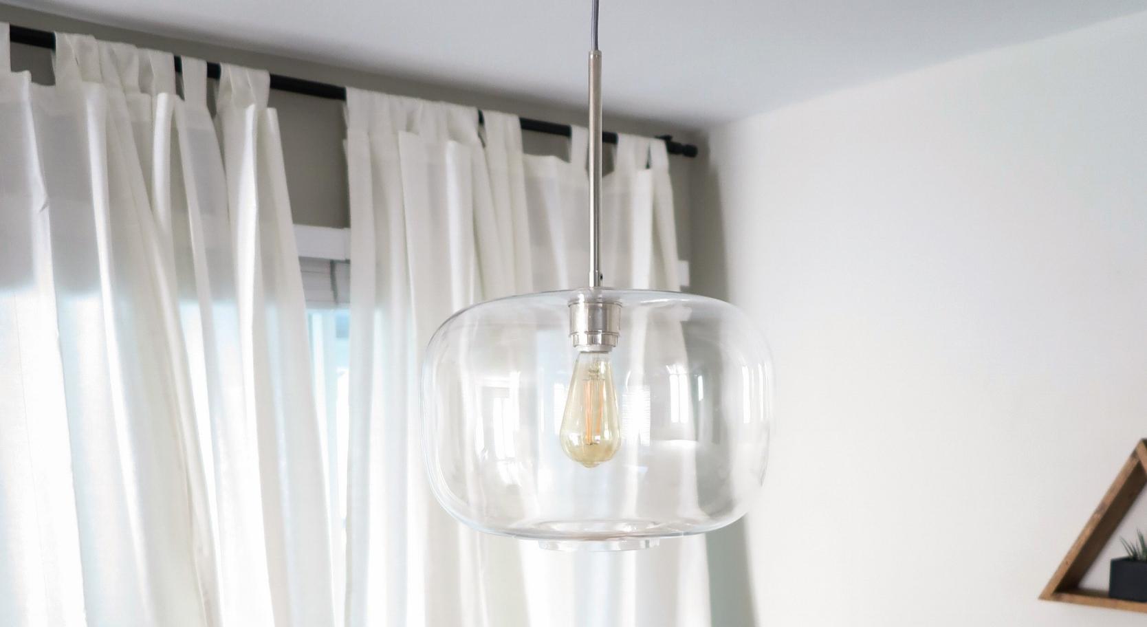 hela-coaching-pendant-light-lightbulb.jpg