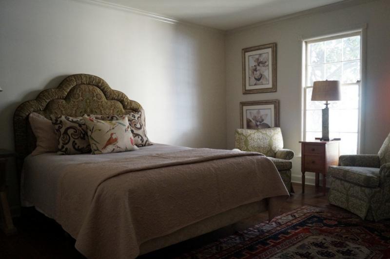 phillips_johnston_interior_design_memphis_guest_bedroom_5.JPG