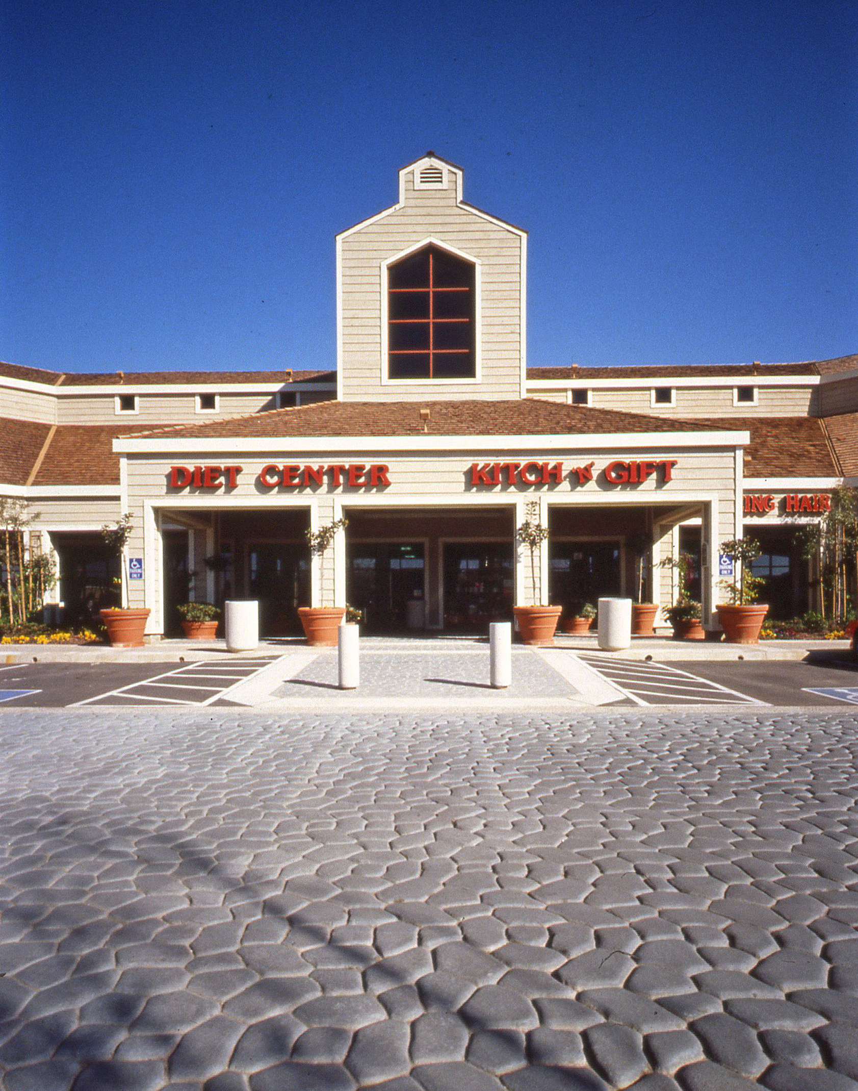 Vinyard shopping center 2.jpg