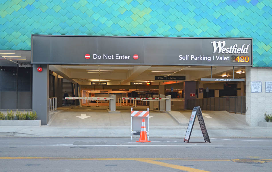 Parking Structures_0003s_0006_Westfield Century City.jpg