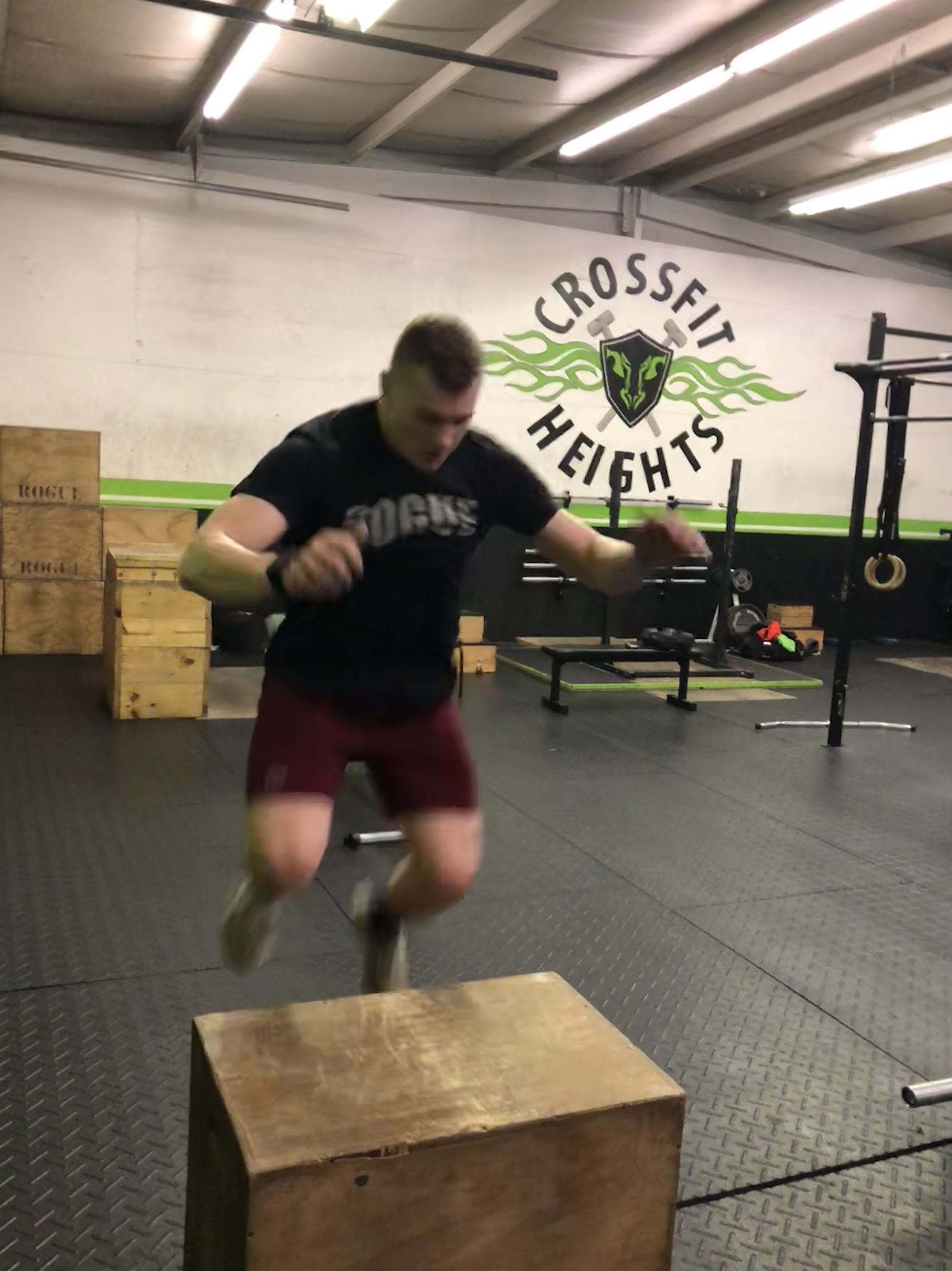John PR'd his Power Clean and Jerk at 265# on Tuesday, he also rowed 1,000m in 3:22.    Nice work John!