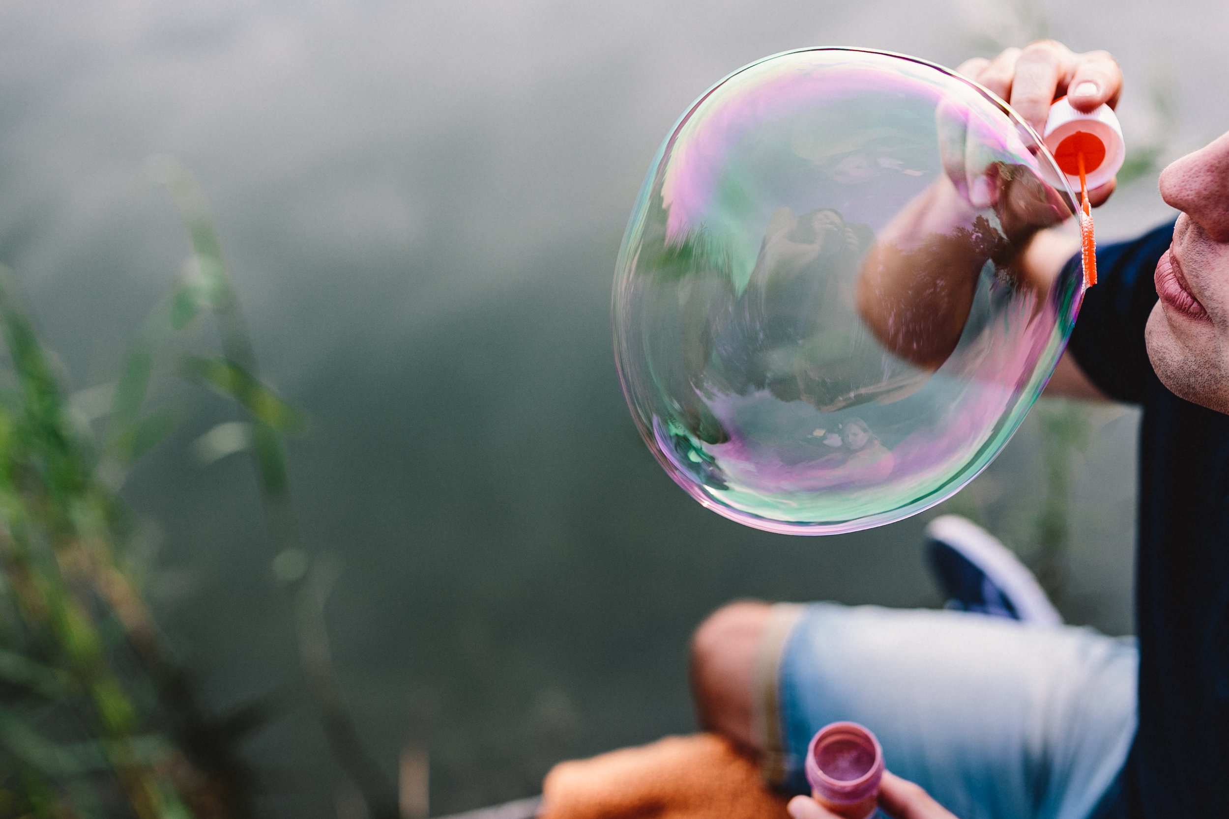 kaboompics_Having fun with soap bubbles in the nature.jpg
