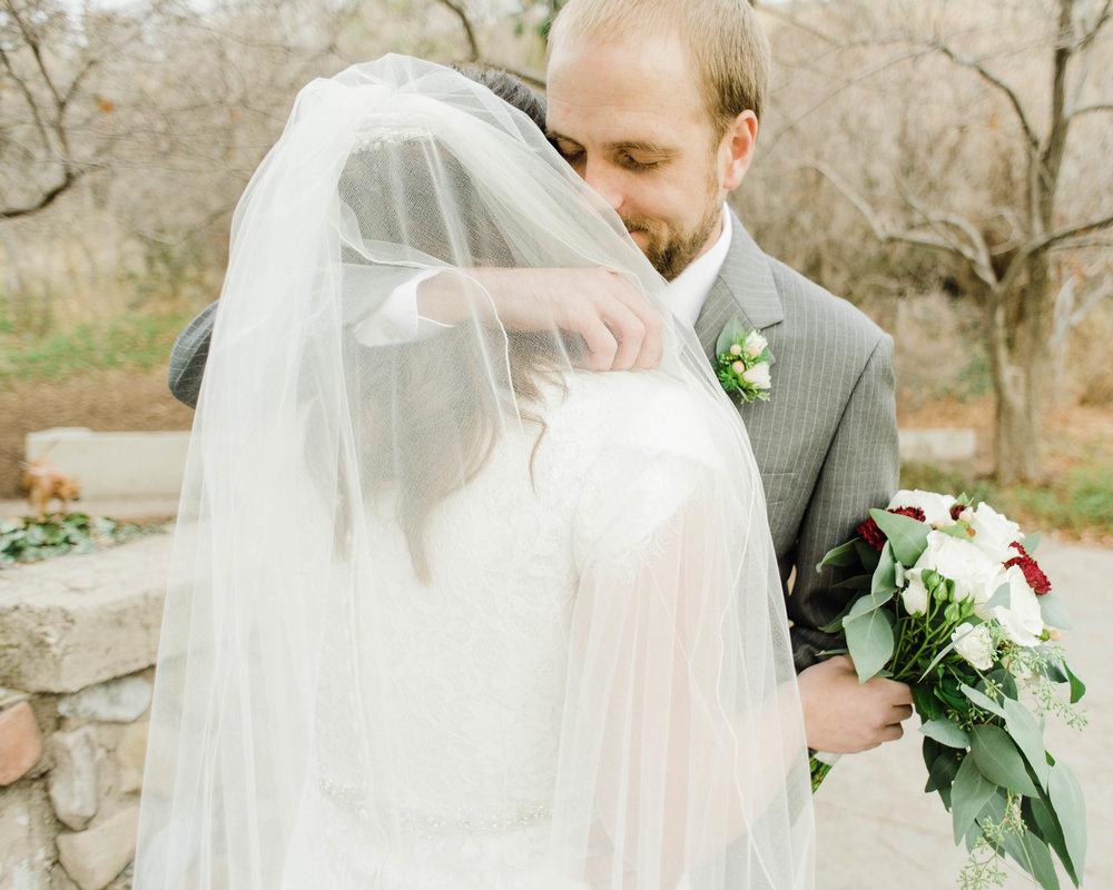 LINDSAY+BRAD-BRIDALS-Sadie_Banks_Photography-23.jpg