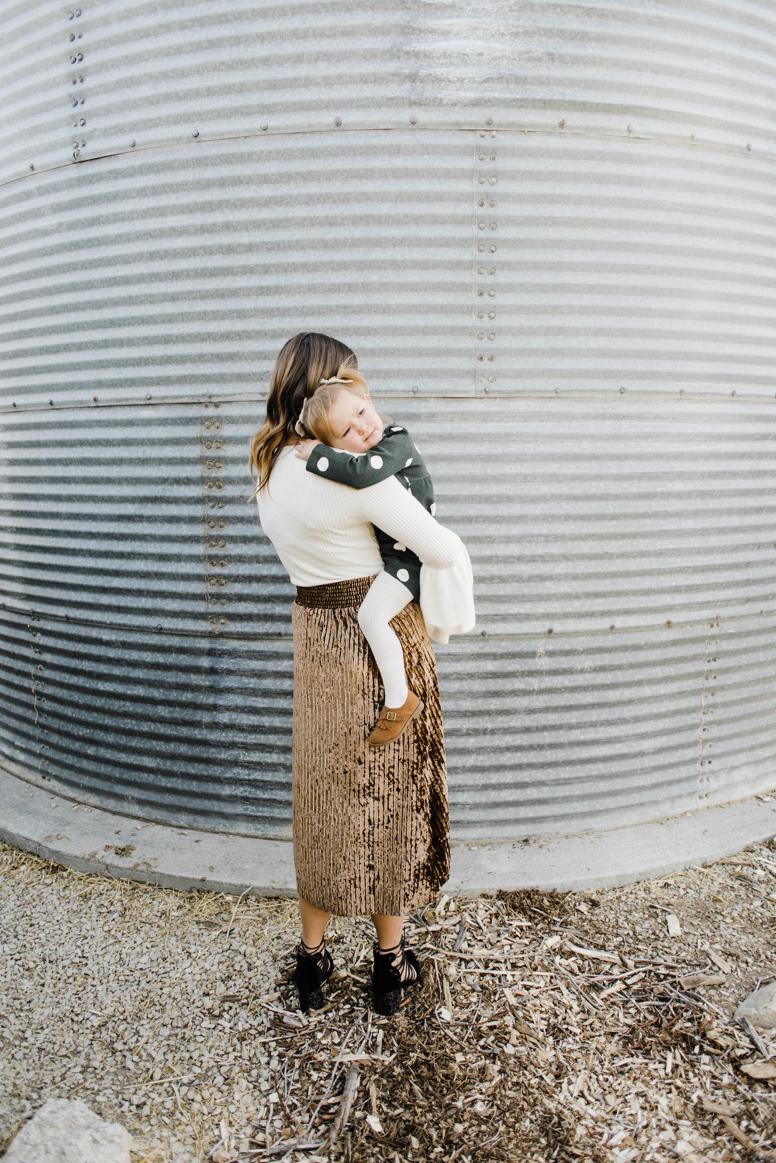 EMILI-EGANN-Sadie_Banks_Photography-109.jpg