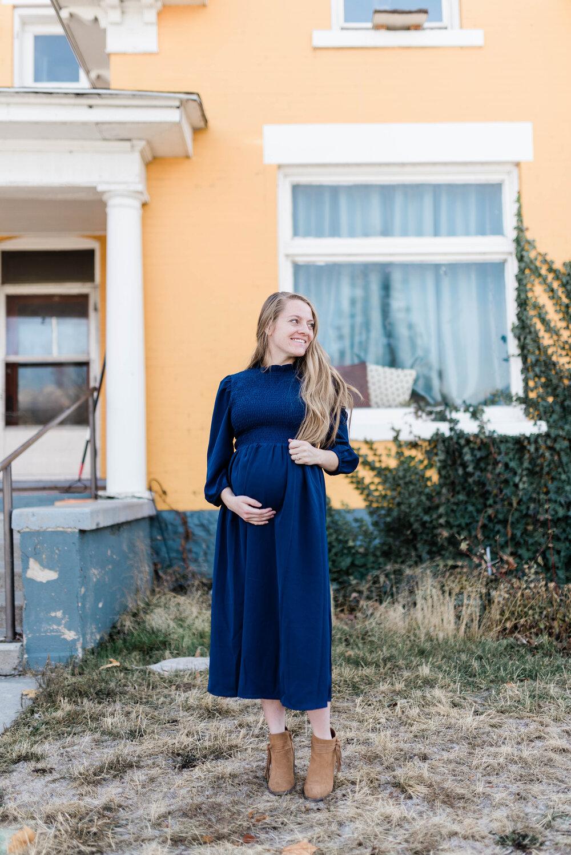 pregnancy updates | maternity photos | my sister's closet boutique