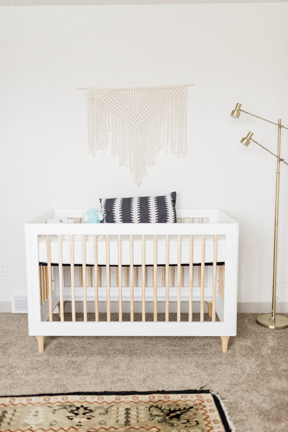 GENDER NEUTRAL NURSERY | baby letto crib