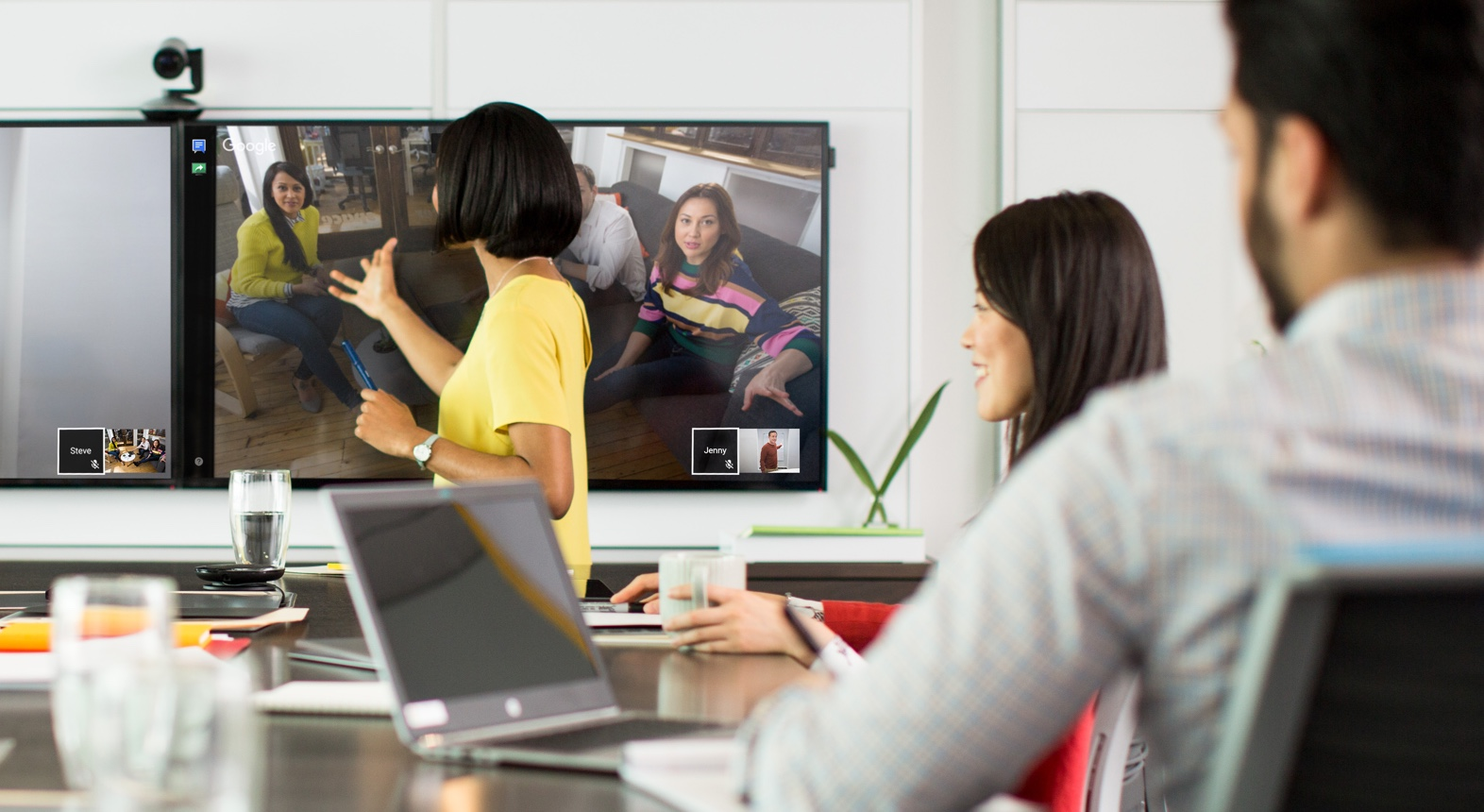 lifesize video-conferencing-messaging-2.jpg
