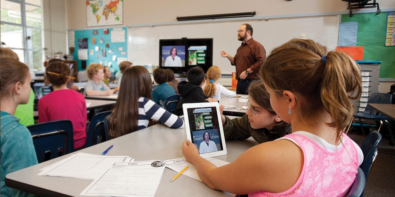 Vidyo Education-Hero-Curriculum-2.jpg