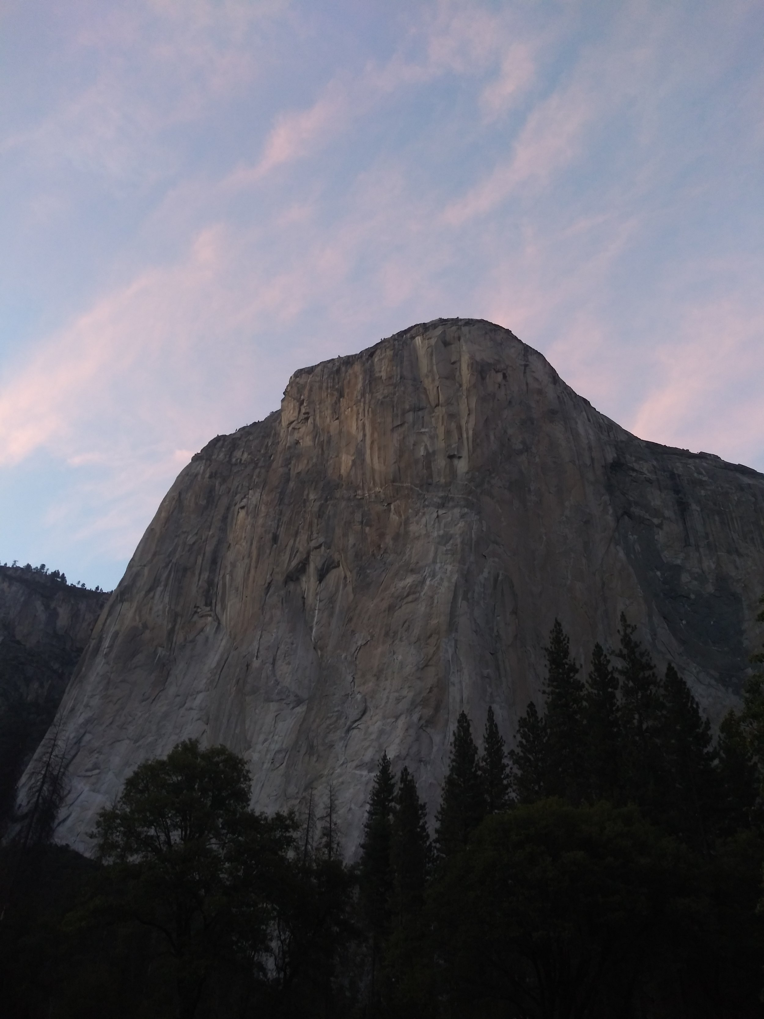 El Capitan, a Mecca for climbers around the world. Simply stunning.