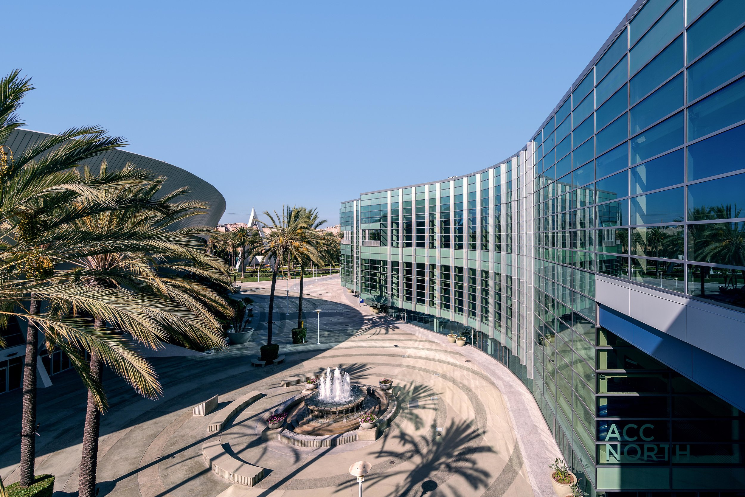 Anaheim Convention Center NCC Curved Wall - Small.jpg