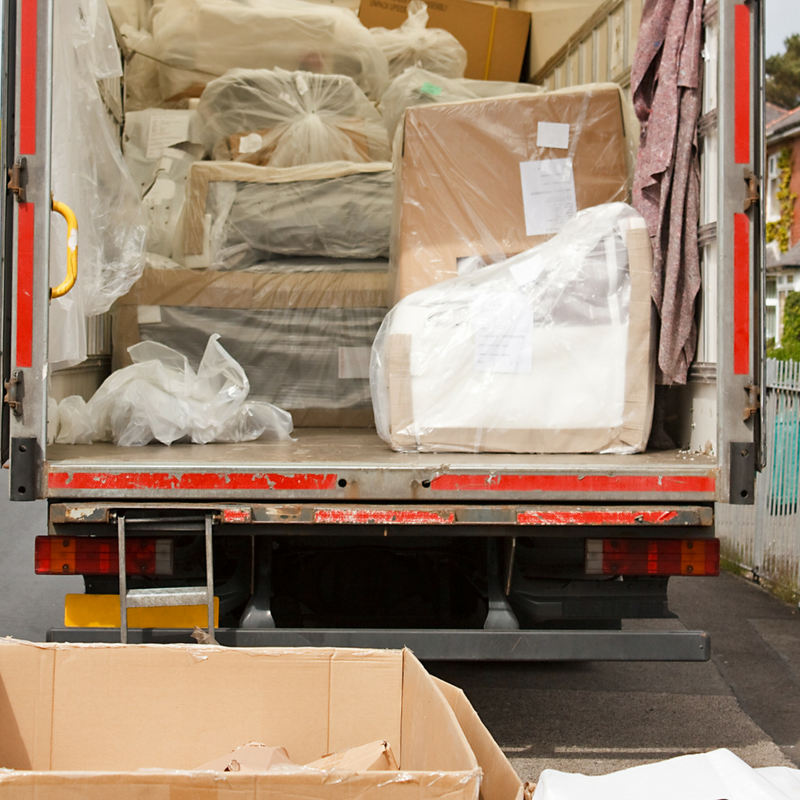Moving House   We all know that moving house is the time we discover how much junk we have hidden in plain site! If you are moving house, make it easy on yourself and hire a Skip Bin.