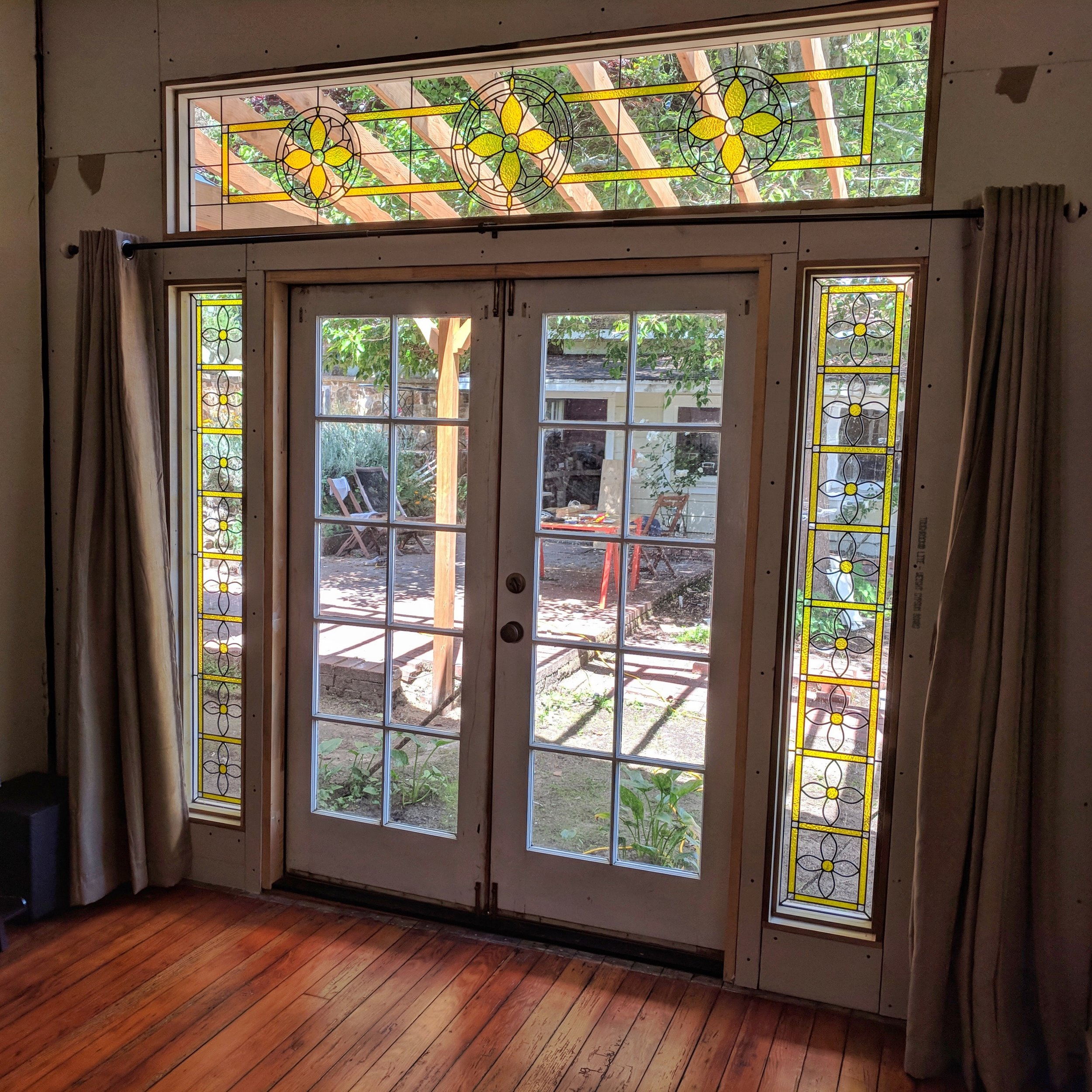 custom stained glass window leaded glass legacy glass studios medallion  bay area california custom design installed napa home.jpg