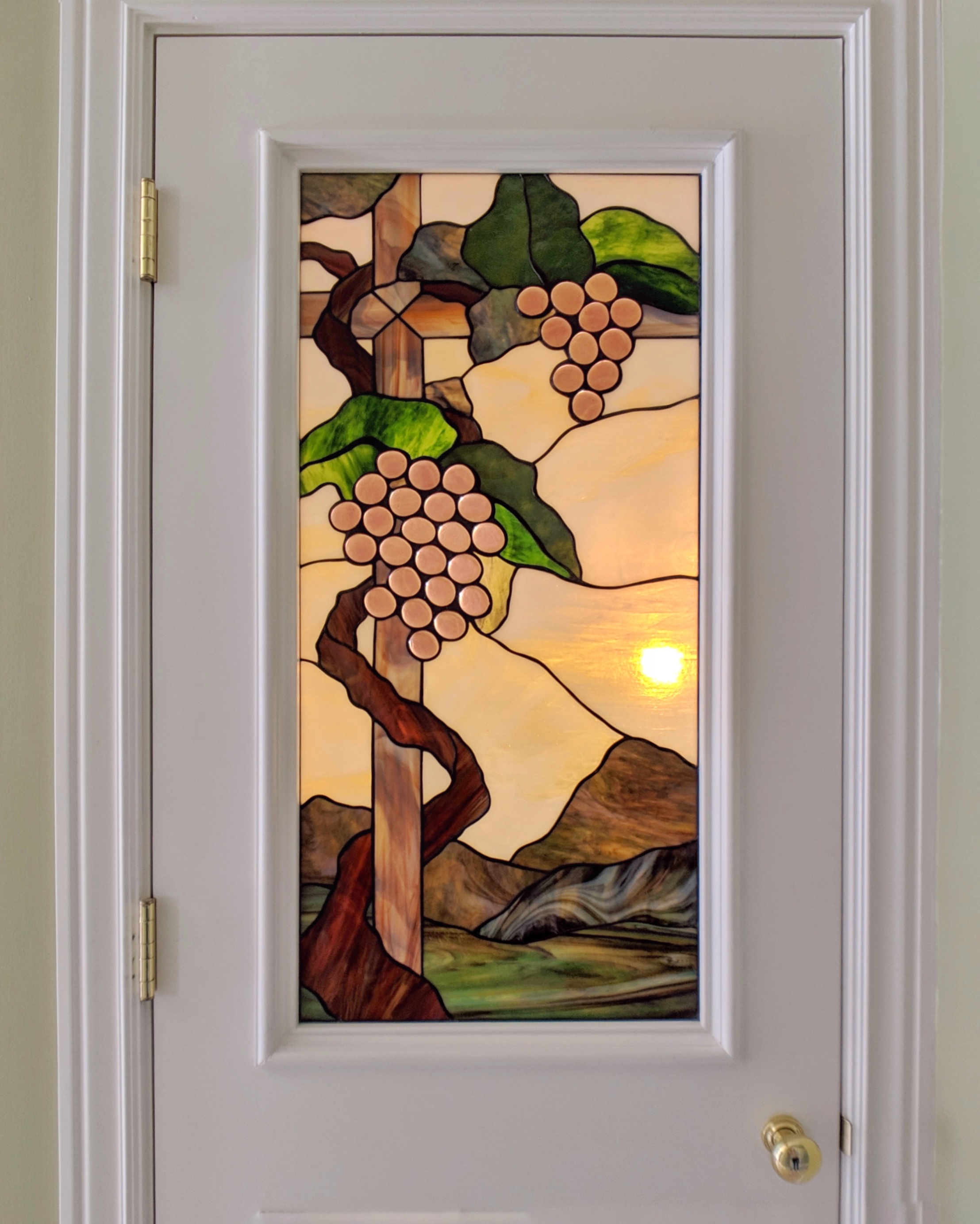 leaded glass stained glass san francisco art glass bay area custom design stained glass legacy glass studios design grapes vine landscape wine vineyard realistic copper foil opalescent glass.jpeg