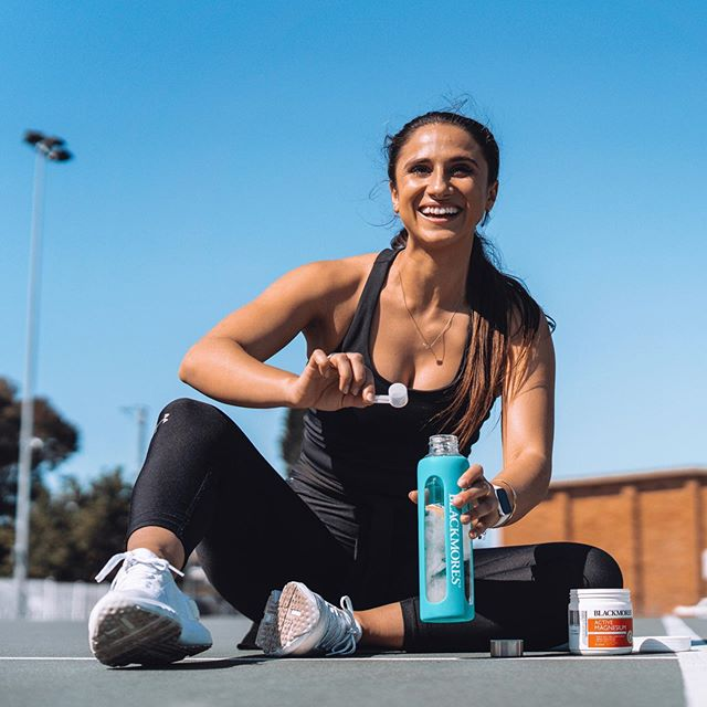 You don't get stronger during a workout, you get stronger recovering from it! Ensuring you've planned adequate recovery into your training week is an essential part of progress. Some of my favourite kinds of recovery at the moment are saunas, ice baths and massages 💆  I've also been using the @blackmoresaustralia Active Magnesium powder daily to help kick those stiff muscles in prep for the Blackmores Sydney Running Festival this weekend. All of the hard work has been done; now let's get it! 💪🏼💥 #blackmores #sp #beawellbeing