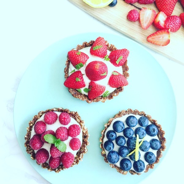 Sneak preview of tomorrow's recipe on the blog... No bake mini fruit tarts made with a base of Medjool dates, oats, almonds, and cacao. Topped with coconut yoghurt and fresh berries. Super simple, yet beautiful and delicious! Watch your inbox tomorrow or get on my list for more inspiration www.goodnesst.com. . . . #nobake #nobakedessert #vegandessert #nosugar #sugarfree #dairyfree #eggfreedessert #dairyfreedessert #vegan #wholefoods #wholefoodplantbased #dessert #healthydessert #goodnesst #mygoodnesst